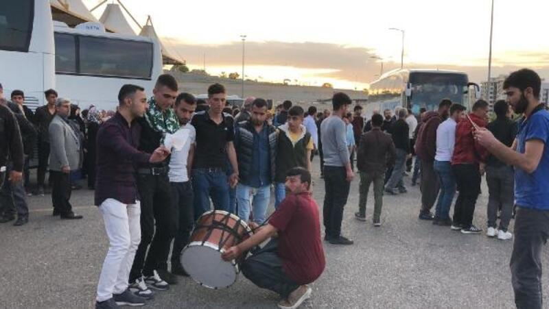 Şanlıurfa'da davul- zurnalı asker uğurlaması