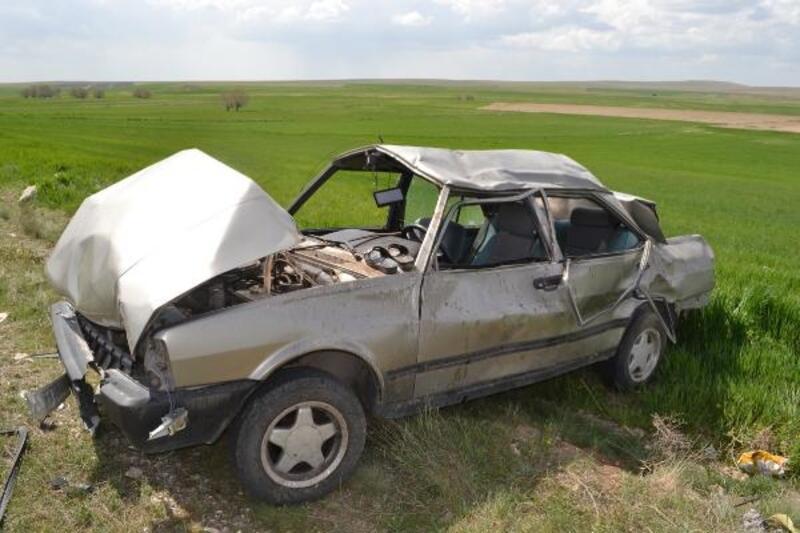 Otomobilleri takla attı, hastaneye götürüldükleri ambulans kaza yaptı