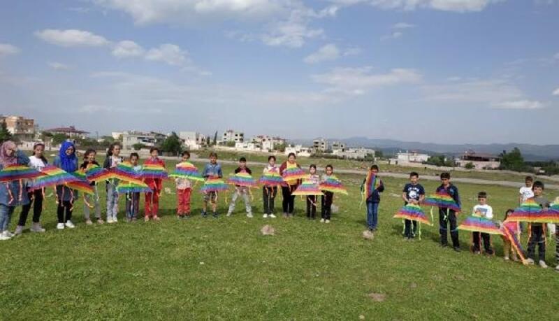 Öğrenciler uçurtma şenliğinde eğlendi
