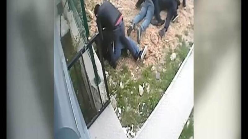 ATM dolandırıcıları suçüstü yakalandı