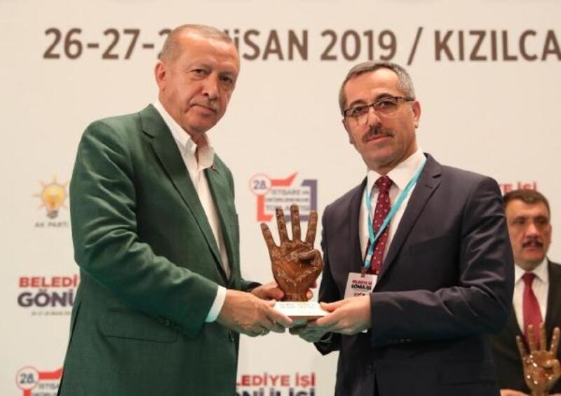 Erdoğan'dan Güngör'e teşekkür plaketi
