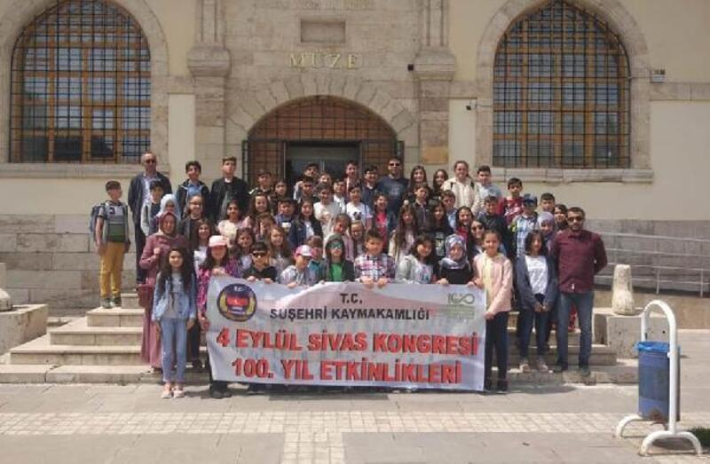 İlçe öğrencileri Sivas'ı gezdi