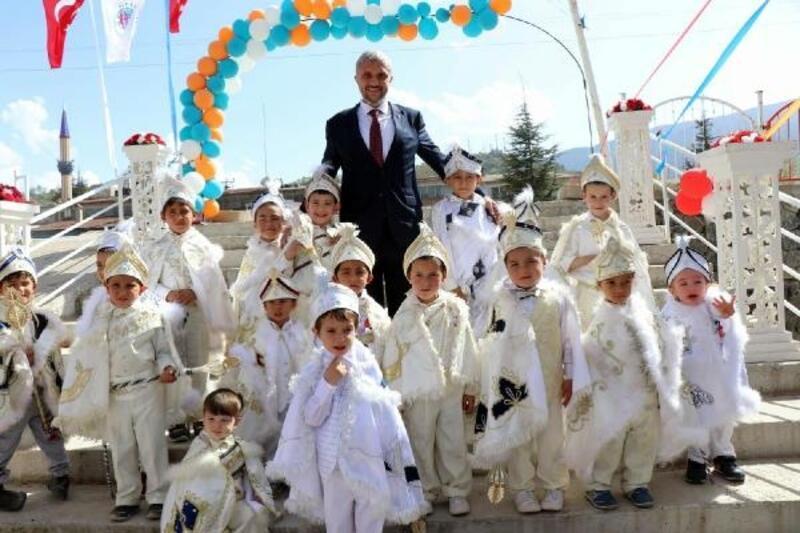 Simav'da 80 yıldır süren gelenekte 20 bin kişi buluştu