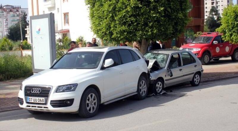 Park halindeki cipe çarpan otomobildeki iki kız kardeş öldü