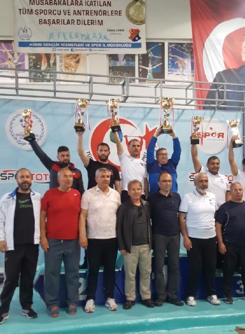 Yıldırımlı haltercilerden Türkiye üçüncülüğü