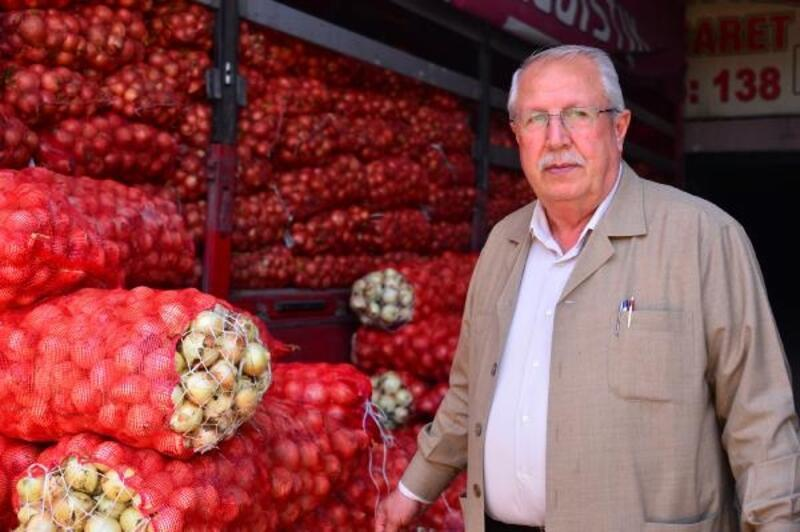 Adana sebze halinde soğan 75 kuruşa düştü