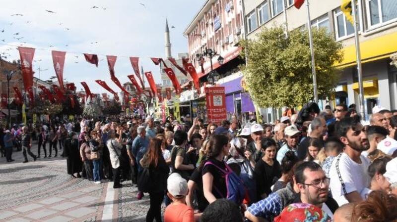 Edirne'de festivalde 2 ton ciğer dağıtıldı