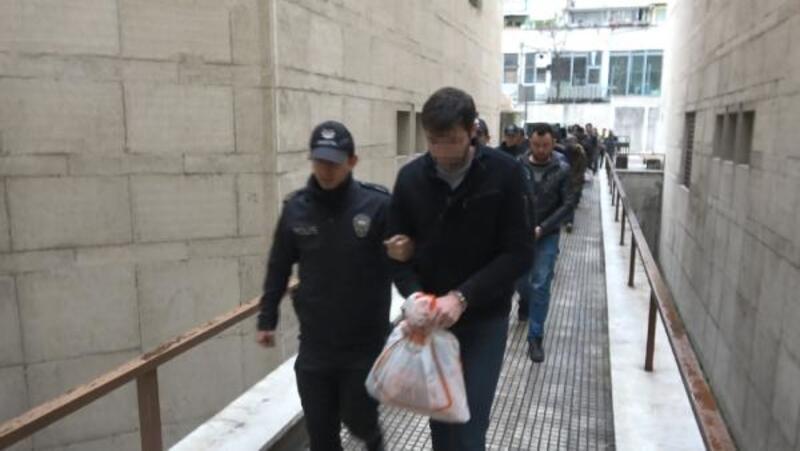 Bursa'da FETÖ şüphelisi 25 kişi, adliyede