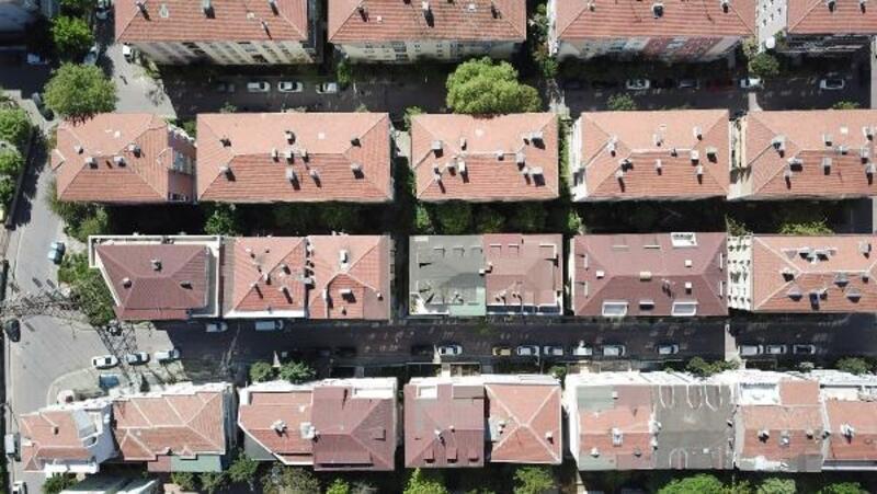 Avcılar'da çökme riski nedeniyle boşaltılan 5 katlı bina havadan fotoğraflandı