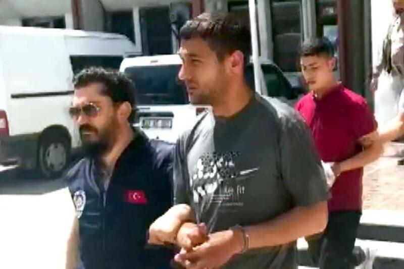 20 dakikada 2 kapkaç olayına karışan zanlılar tutuklandı