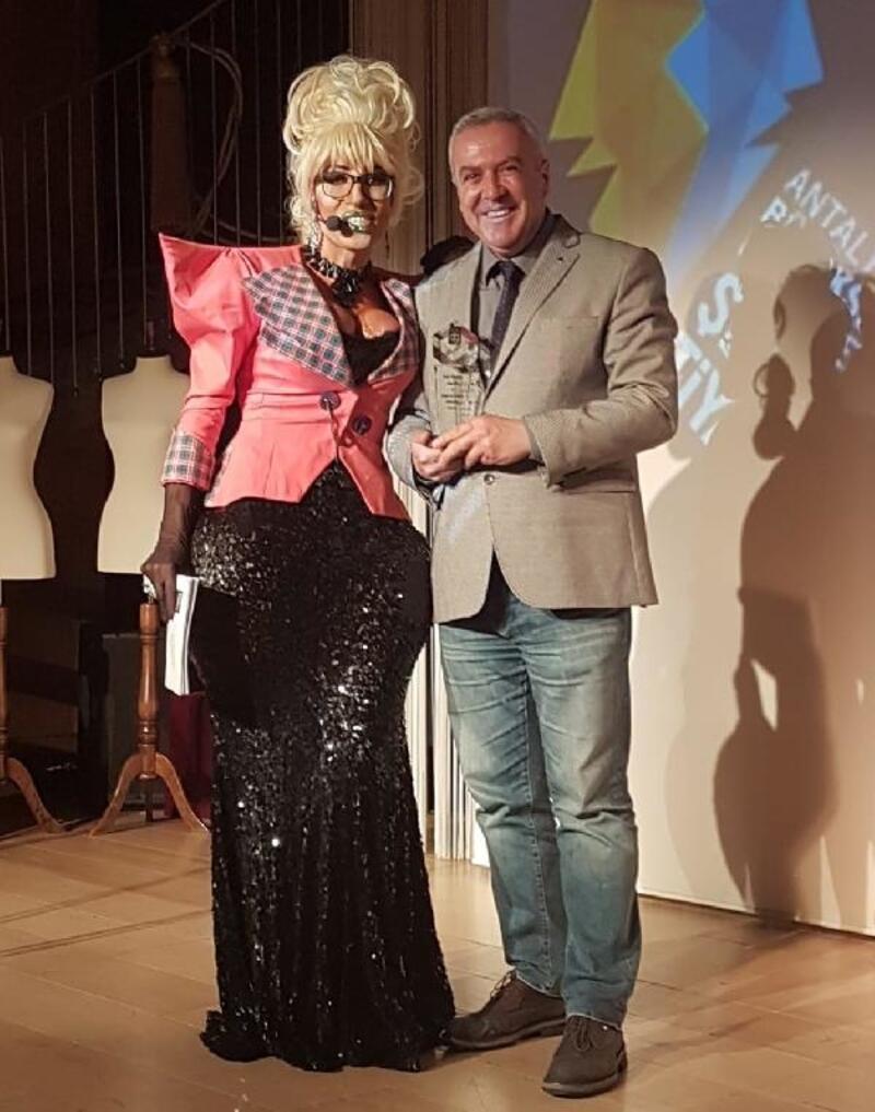 AŞT'ye 'En İyi Çıkış Yapan Şehir Tiyatrosu Ödülü'