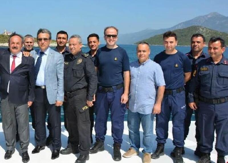 Güvenlik Kurulu toplantıda, Sahil Güvenlik Botunda yapıldı