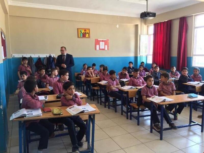 Çobanoğlu okulları ziyaret ediyor