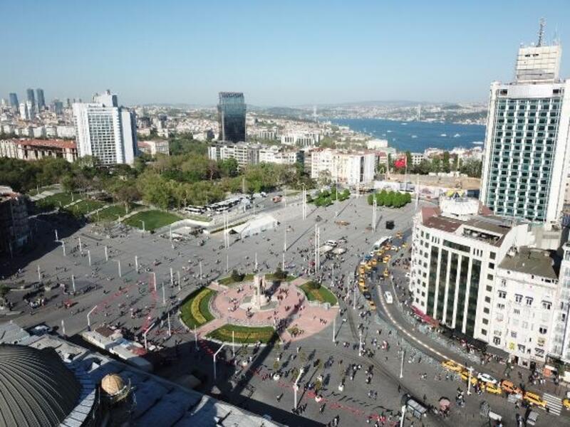 Havadan fotoğraflarla Taksim Meydanı'ndaki son durum