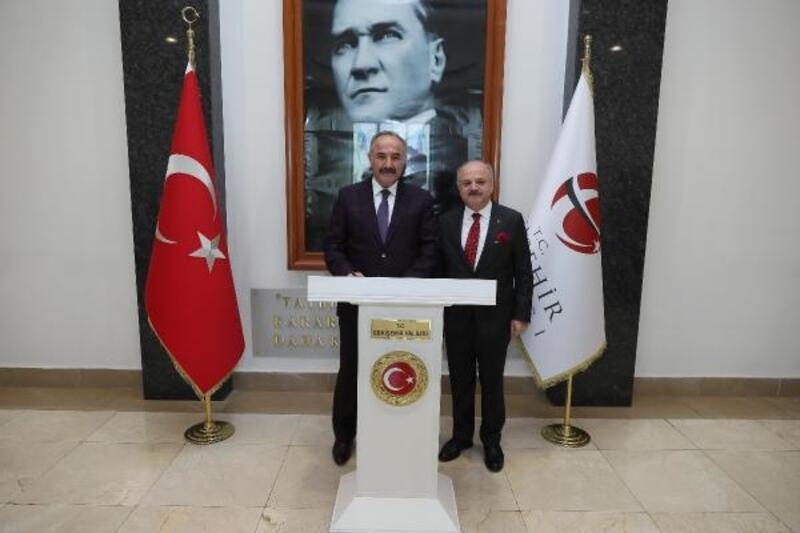 Milli Güvenlik Kurulu Genel Sekreteri Hacımüftüoğlu, Vali Çakacak'ı ziyaret etti