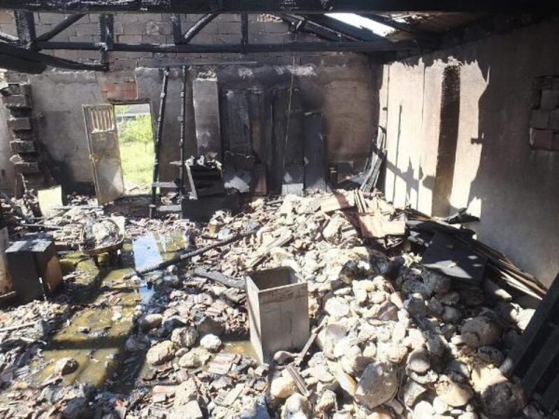 Bozüyük'te atölye yangınını itfaiye söndürdü