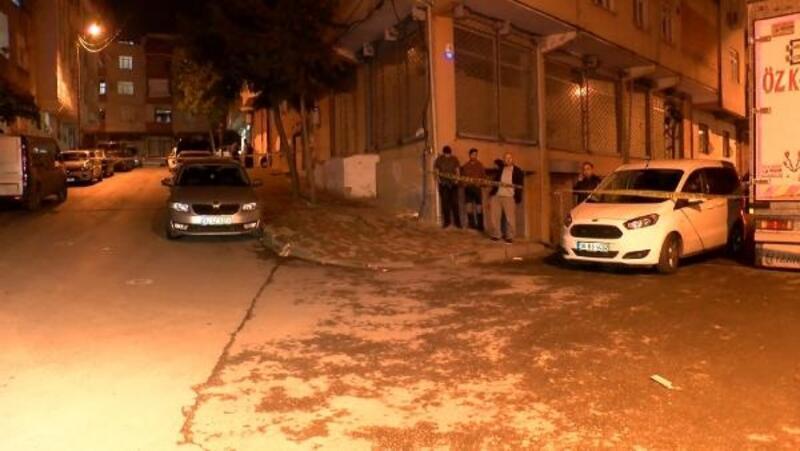 Bağcılar'da sokak çatışmasında eve kurşunlar isabet etti; iki çocuk ölümden döndü