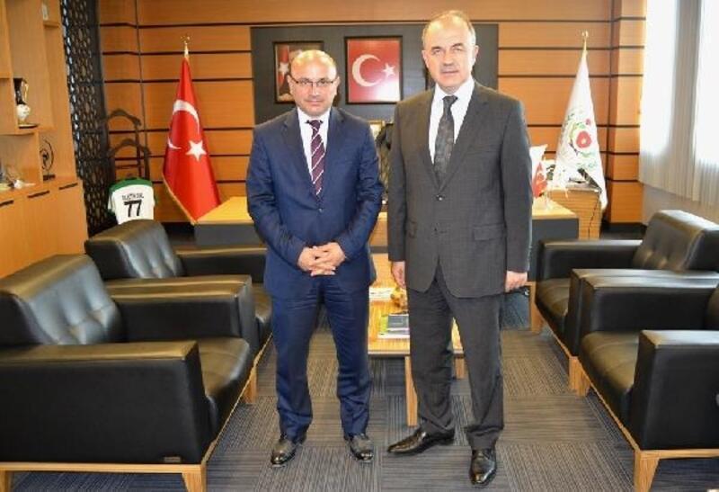 Vali Erol'dan Başkan Oral'a ziyaret