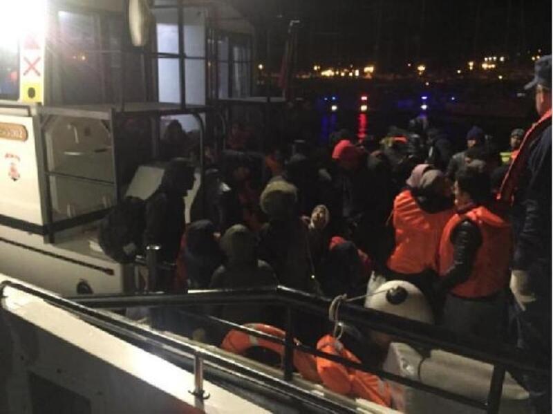 Çeşme açıklarında 69 kaçak göçmen yakalandı