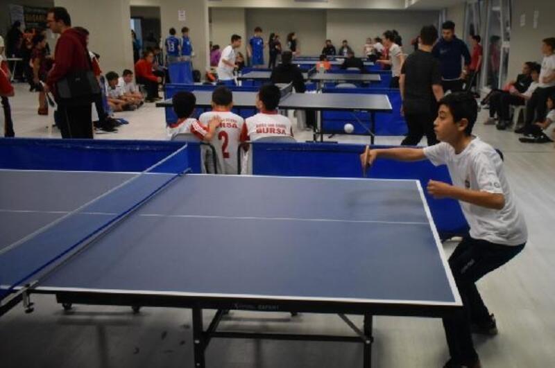 Nilüfer Spor Şenlikleri'nde masa tenisi müsabakaları tamamlandı