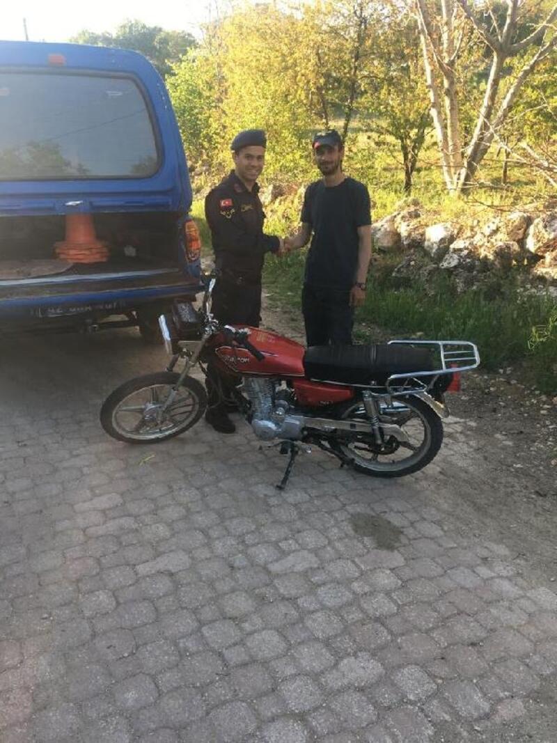 Hüyük'te çalınan motosiklet jandarma tarafından Beyşehir'de bulundu
