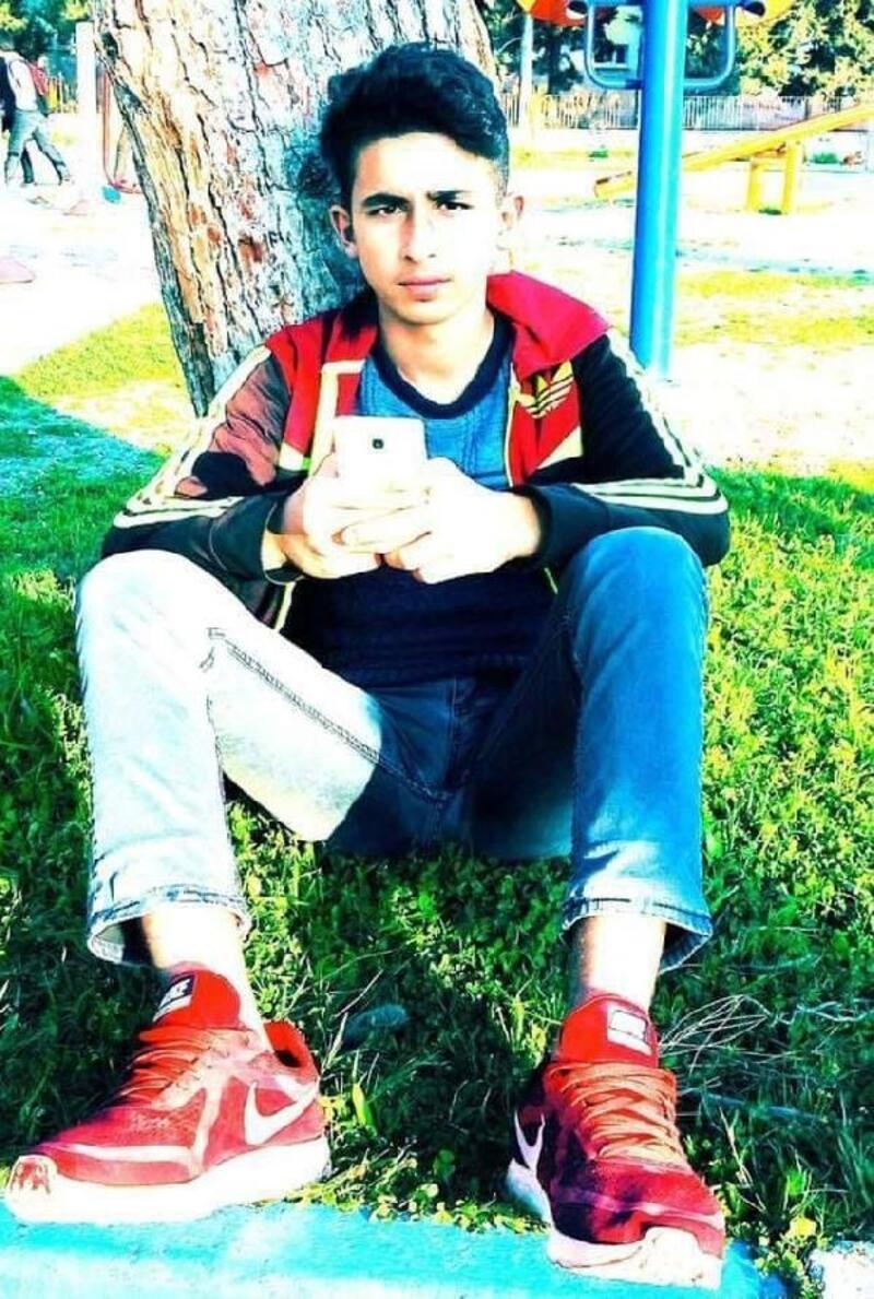 Liseli Ahmet, serinlemek için girdiği çayda boğuldu