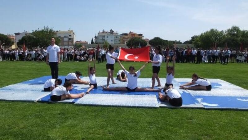 Burhaniye'de 19 Mayıs coşkusu