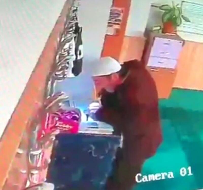 Nöbet tutup, camideki kasadan para çalan şüpheliyi yakaladılar