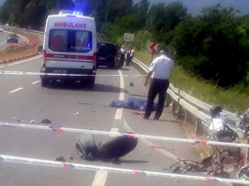 Minibüsün çarptığı motosikletin sürücüsü öldü