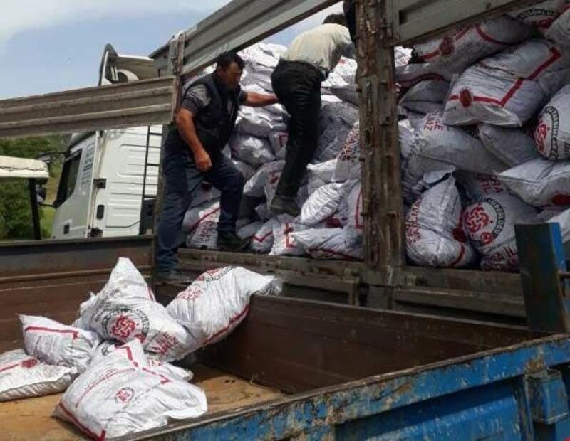 Simav'da ihtiyaç sahiplerine kömür dağıtımı