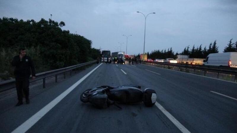 TEM'de yola gübre döküldü, 6 araç çarpıştı: 1 ölü, 2 yaralı