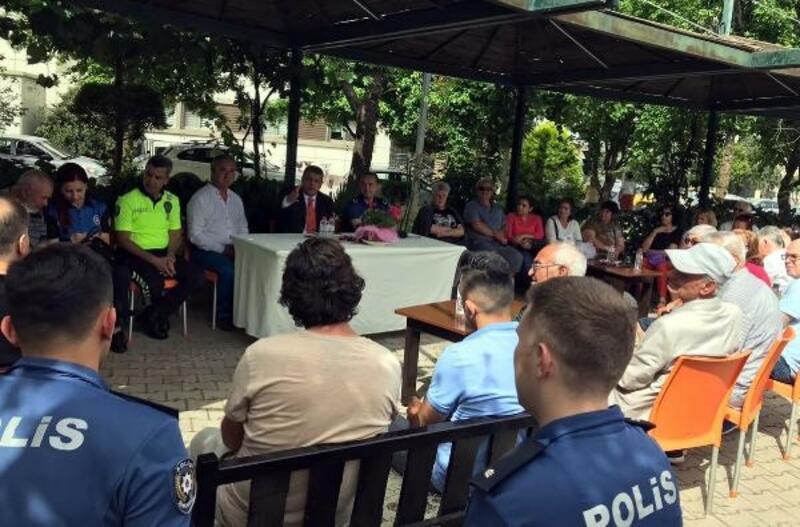 Marmaris'te 'Polis-Halk' buluşmasının ilki yapıldı