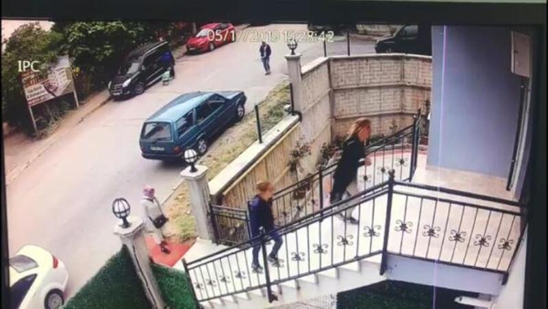 Evden hırsızlık yapan abla kardeş yakalandı