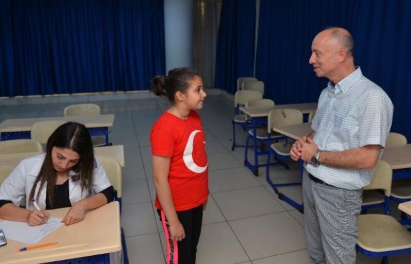 Öğrencilere skolyoz taraması