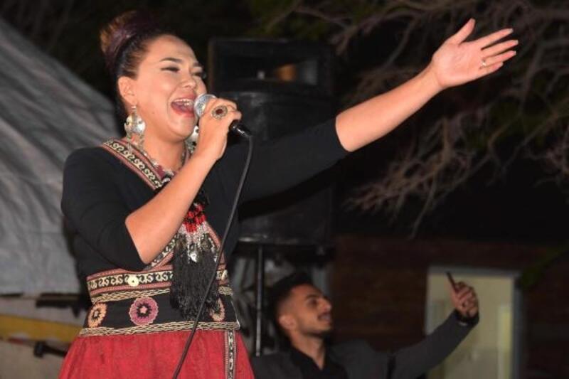 Otağda ilk konser Kırgız sanatçıdan