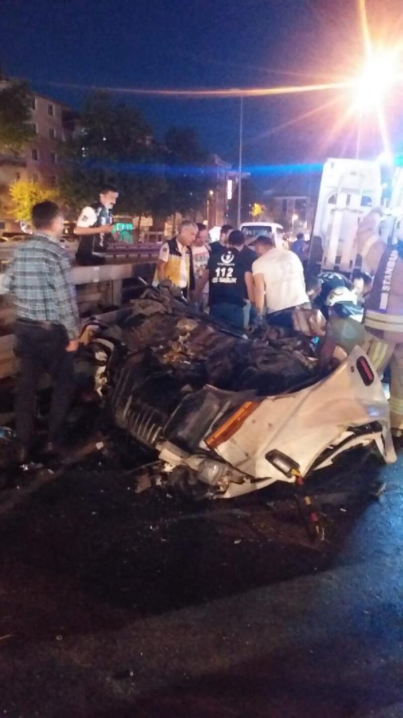 Avcılar'da feci kaza: Dizi seti için çalışan kamyonetin sürücüsü öldü