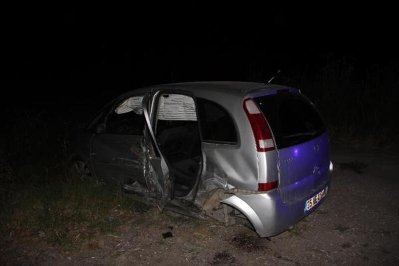 İzmir'de 2 otomobil çarpıştı: 7 yaralı