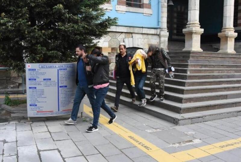 Kütahya'da uyuşturucu operasyonuna 3 tutuklama