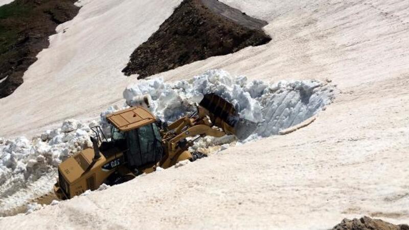 Yayla yollarında karla mücadele