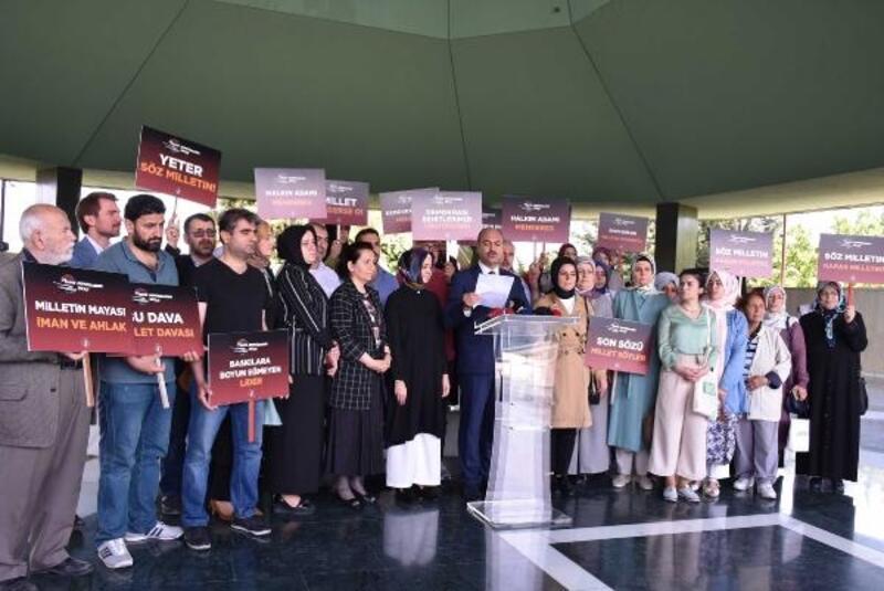 AK Parti İstanbul İl Başkanlığı Adnan Menderes ve arkadaşlarını mezarı başında andı
