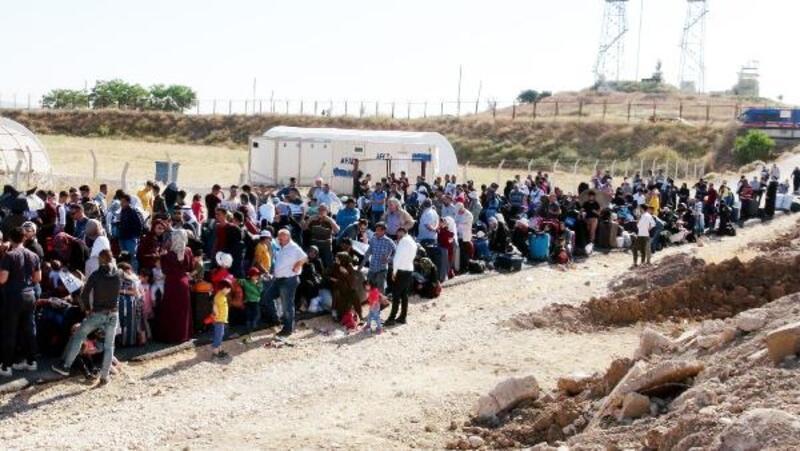 Öncüpınar'dan bayramlaşmaya giden Suriyeli sayısı 11 bin 500 oldu