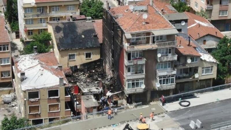 Fikirtepe'de yangın çıkan bina ve çevresinin havadan görüntüleri