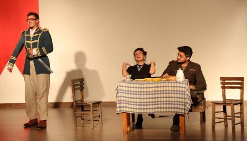 İngilizce öğretmen adaylarından tiyatro performansı