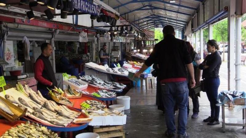 Bandırma'da Ramazan ayında balık satışları düştü