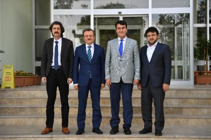 Başkan Dündar'dan Rektör Kılavuz'a hayırlı olsun ziyareti