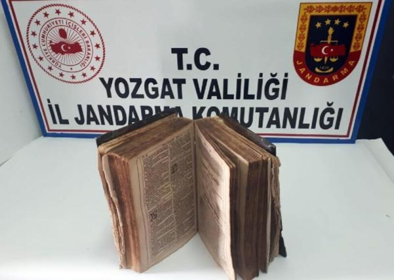 Yozgat'ta 600 yıllık kitap ele geçirildi