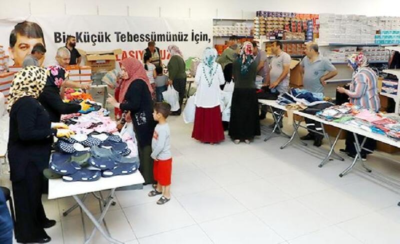 Şehitkamil'den, 11 bin 600 kişiye kıyafet yardımı