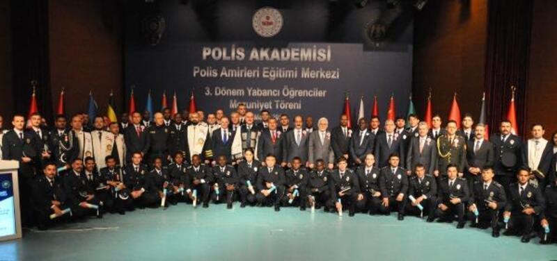 Ankara'da eğitim gören 43 yabancı polis mezun oldu