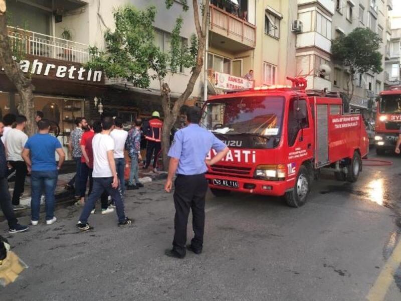 Televizyon tamir dükkanında yangın çıktı
