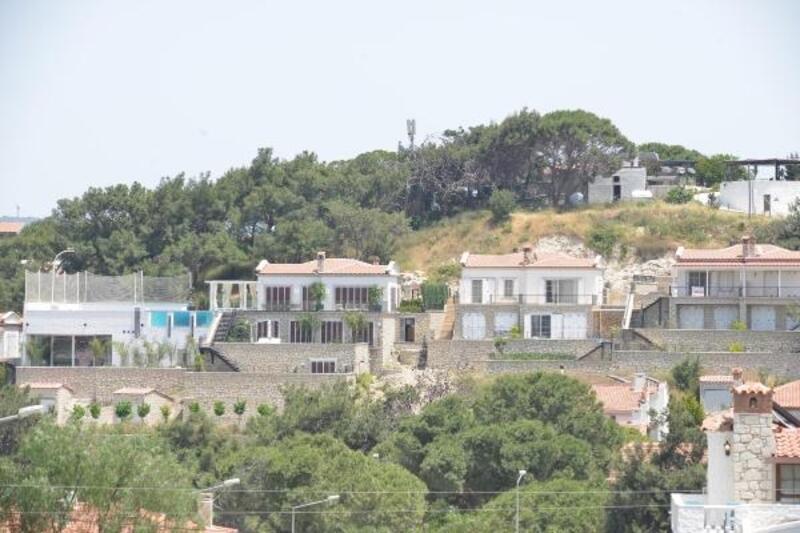 Mesut Özil, balayını Çeşme'deki yeni villasında geçirecek